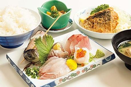 Sakana Ichiba Shokudo (Fish Market's Restaurant)